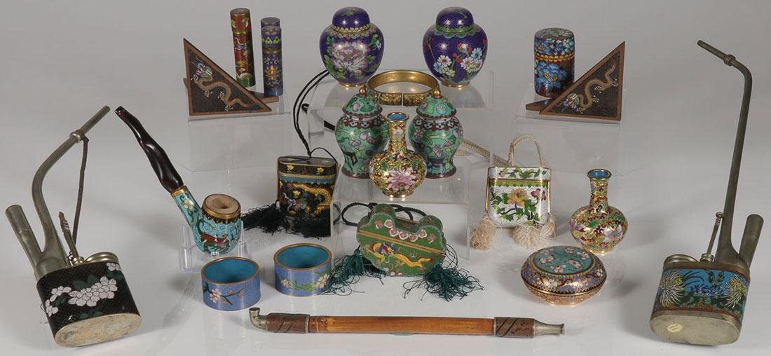 A GROUP OF TWENTY CHINESE CLOISONNÉ ITEMS