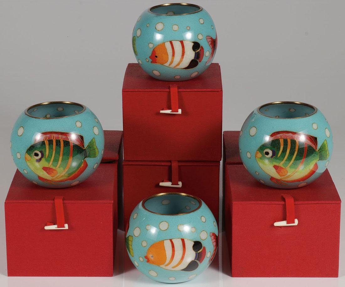 SIX CHINESE CASED TRANSLUCENT ENAMEL BOWLS