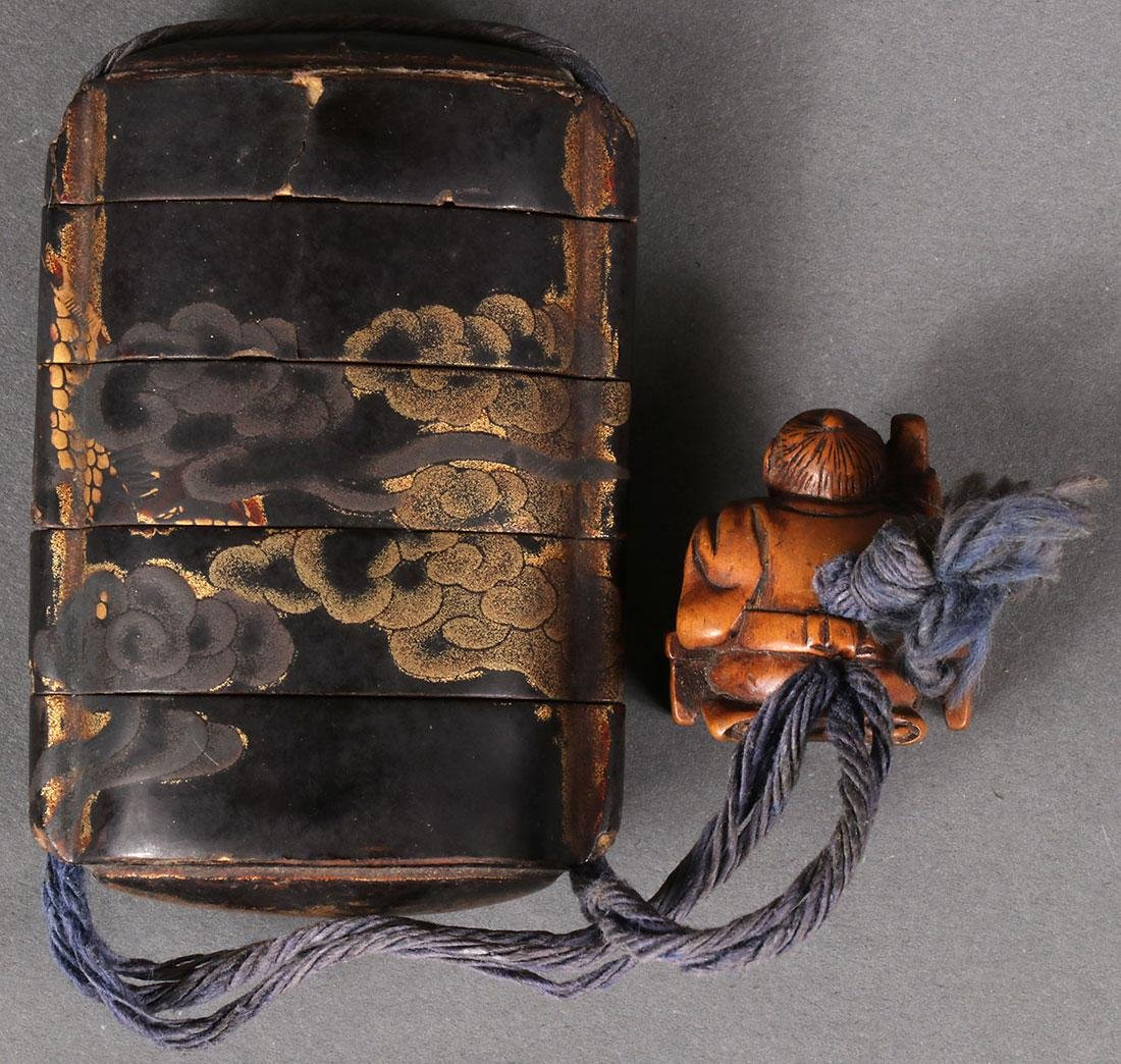 A JAPANESE LACQUER INRO AND CHINESE SNUFF BOTTLE - 4