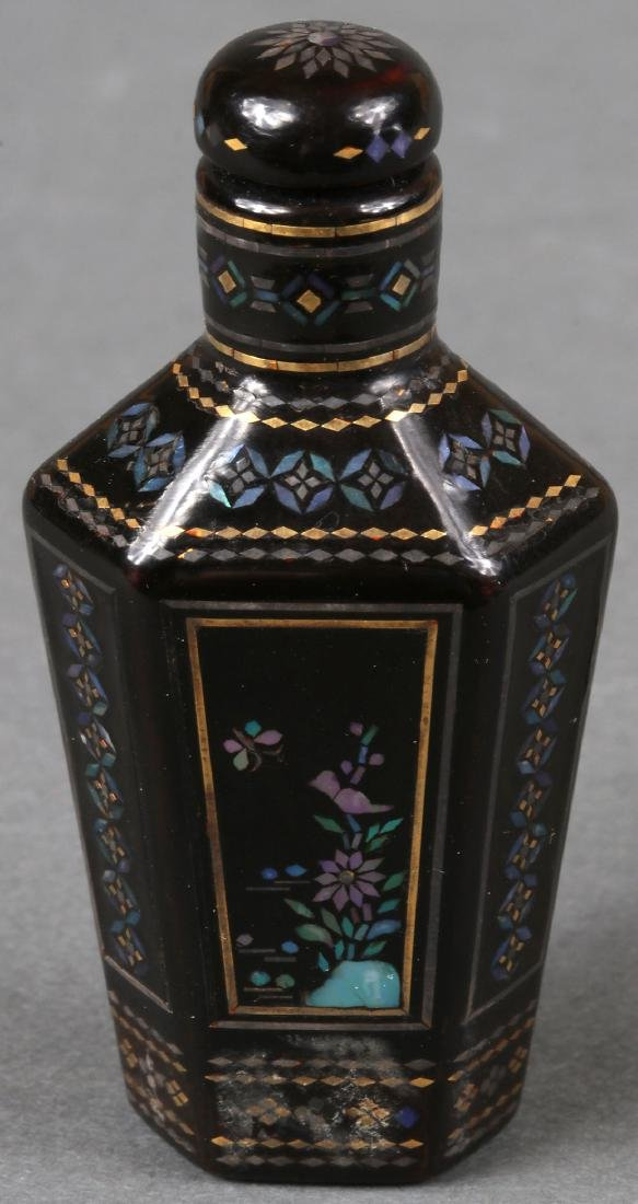 A JAPANESE LACQUER INRO AND CHINESE SNUFF BOTTLE - 5