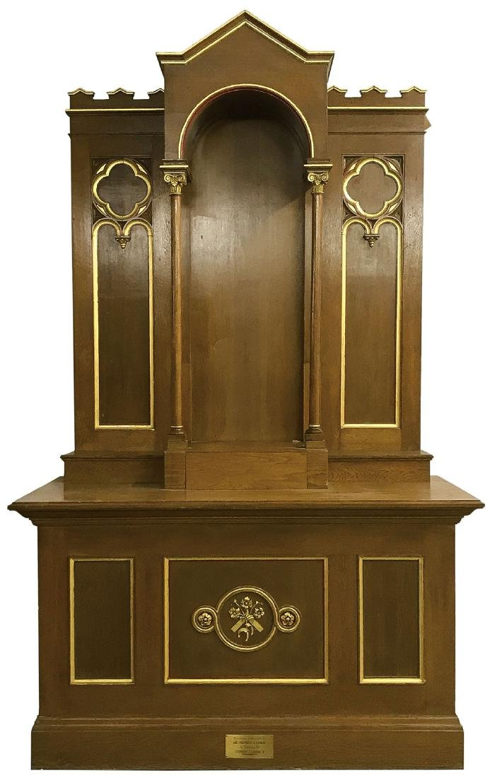 A LARGE CARVED & GILT WOOD ALTAR