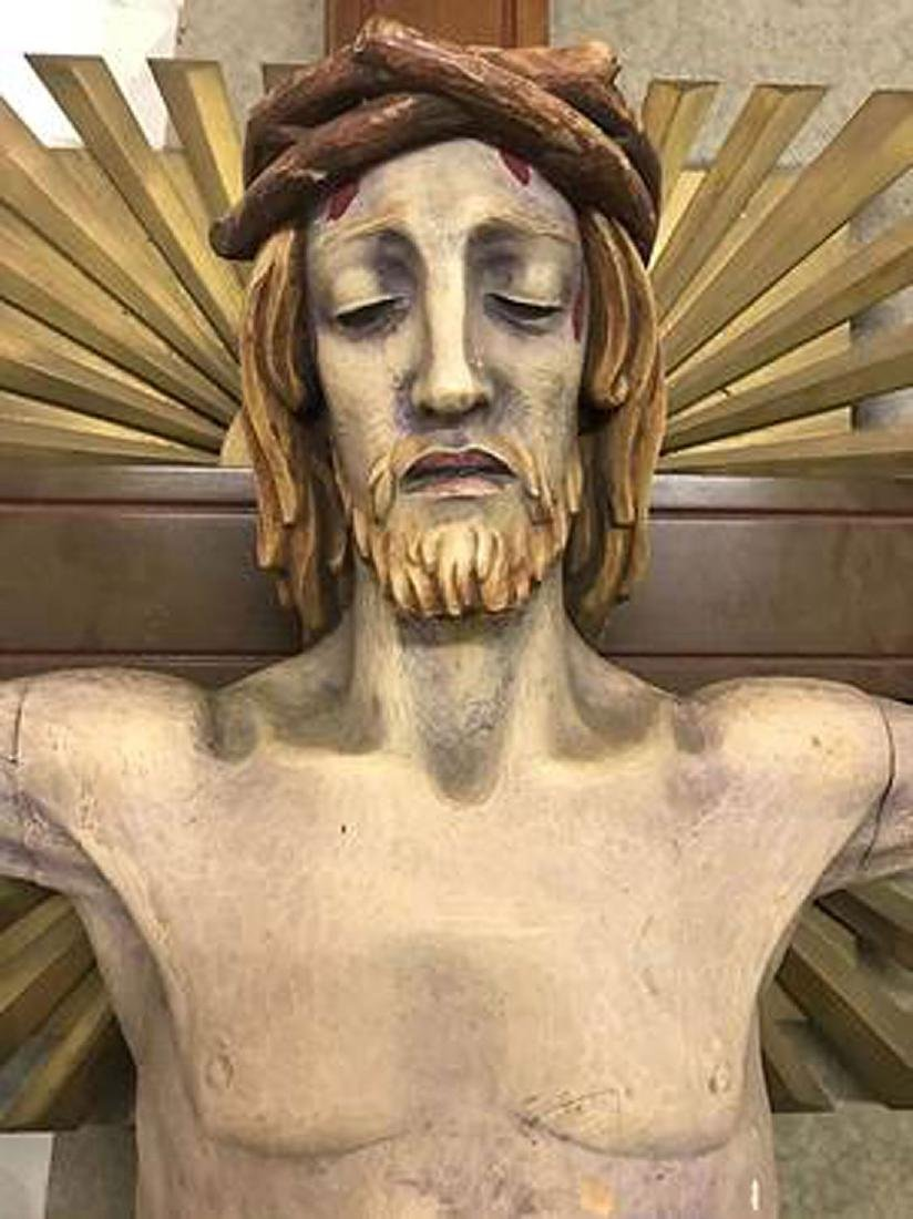 A LARGE CARVED WOOD CRUCIFIX - 2