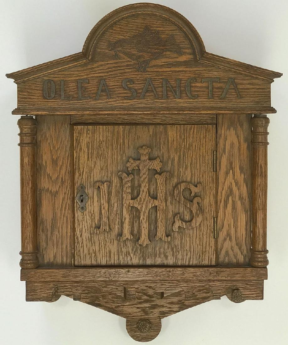 AN OAK HOLY OIL BOX