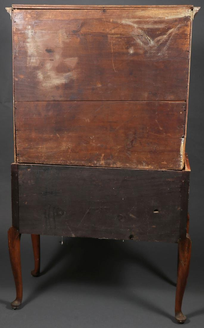 A QUEEN ANNE HIGH CHEST, NEW ENGLAND, 18TH C. - 2