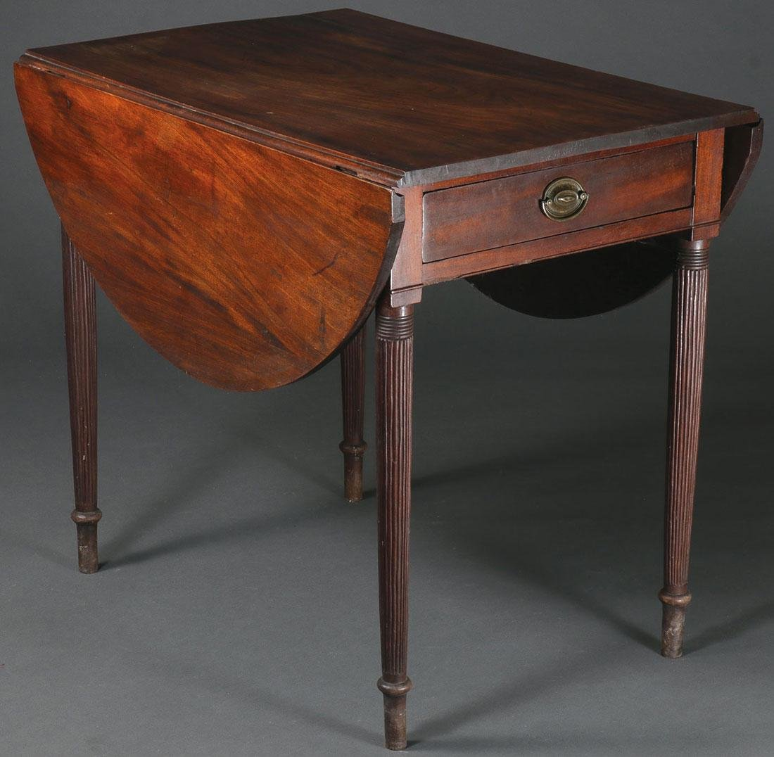 A FEDERAL MAHOGANY PEMBROKE TABLE, 1790-1810