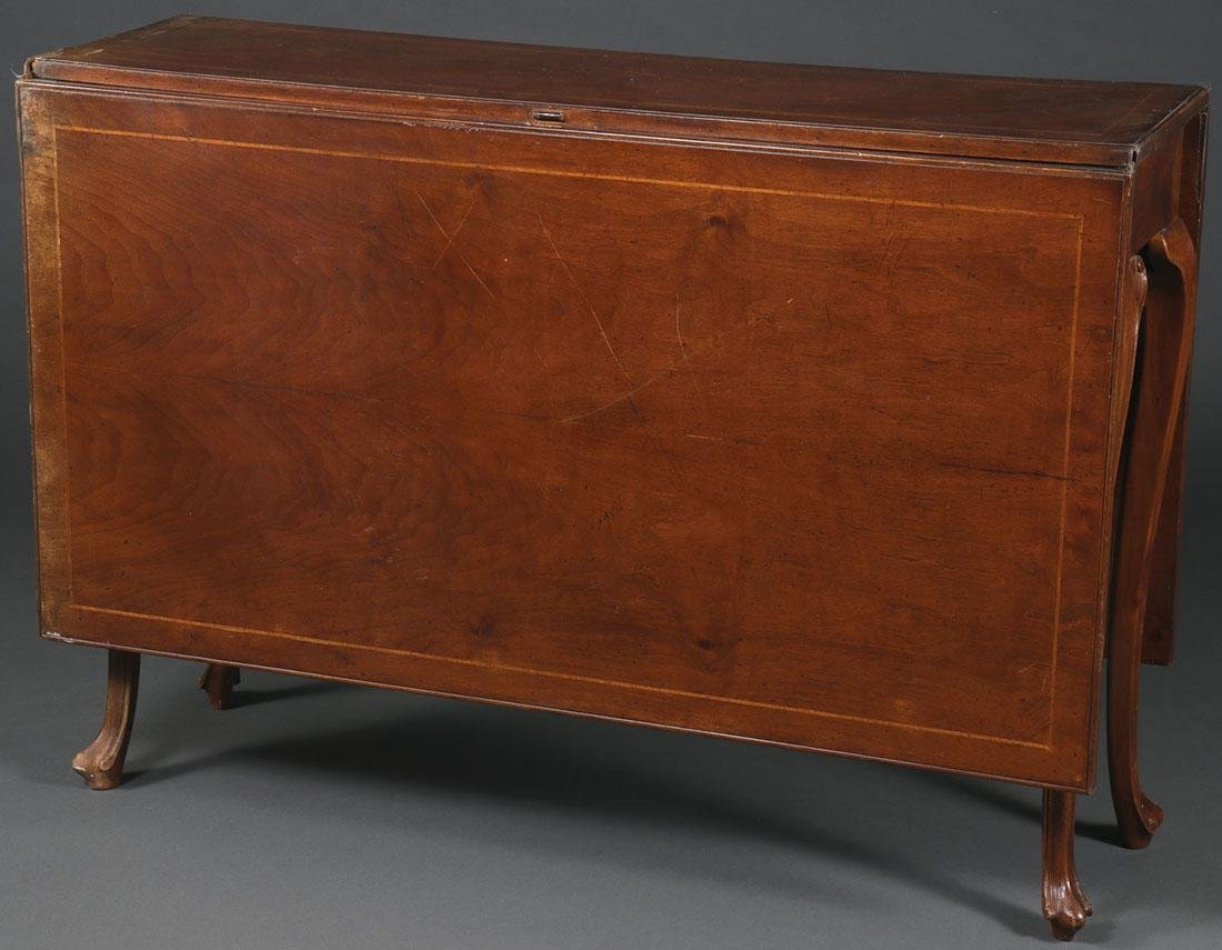 A DROP LEAF GATELEG TABLE, 20TH CENTURY