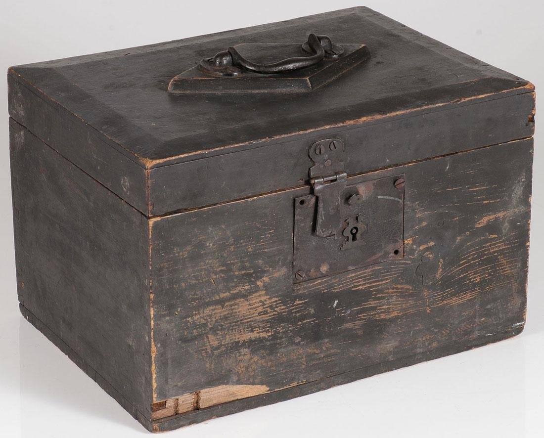 A PRIMITIVE PINE STRONG BOX, 19TH CENTURY