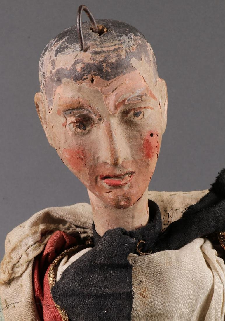 A PAIR OF CARVED POLYCHROME MARIONETTES, EUROPEAN - 3