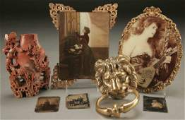 466 A GROUP OF VICTORIAN DECORATIVE ARTS including a