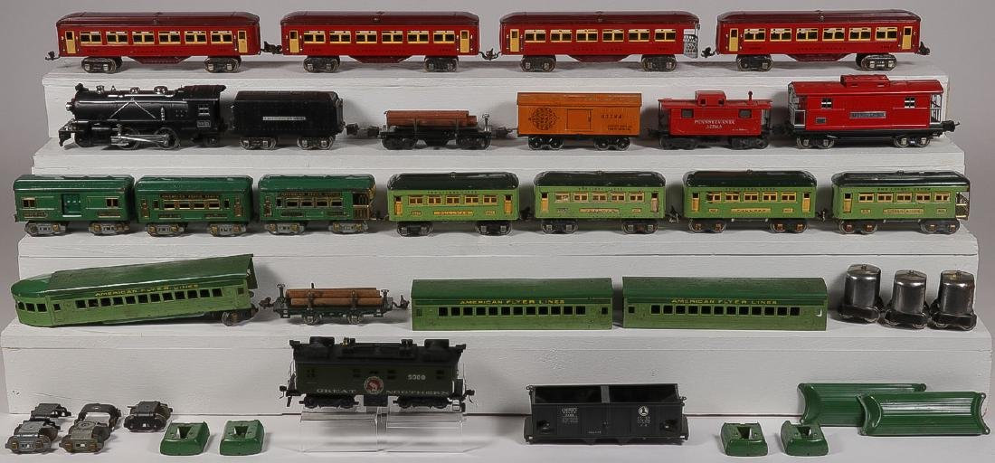 A GROUP OF MODEL TRAIN SWITCHES AND ACCESSORIES - 2