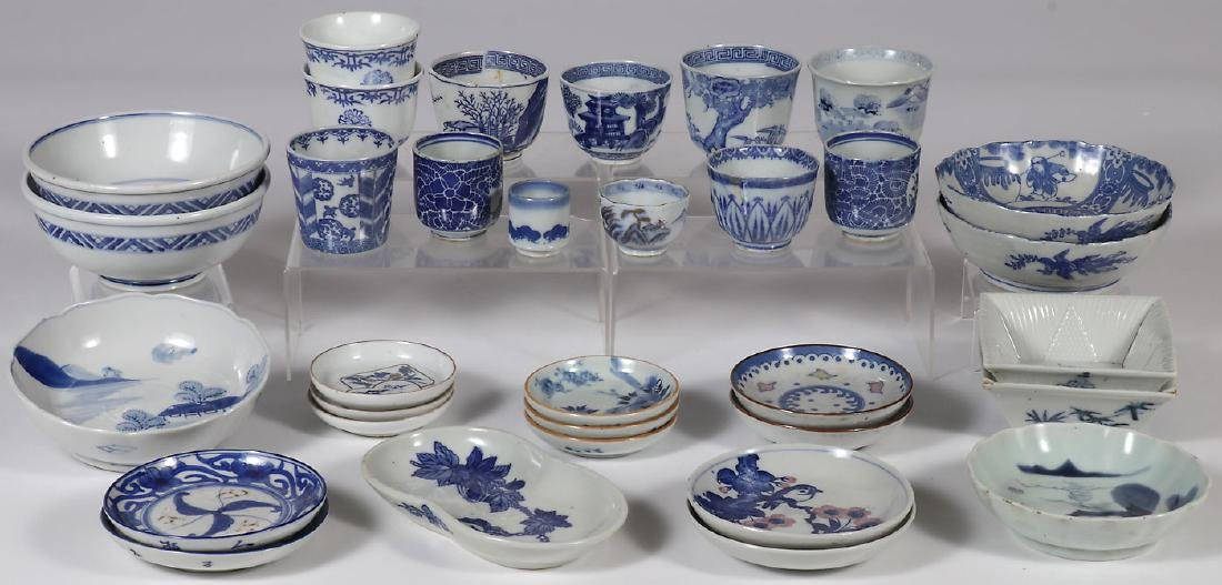 38 PIECES OF JAPANESE IMARI PORCELAIN, MEIJI