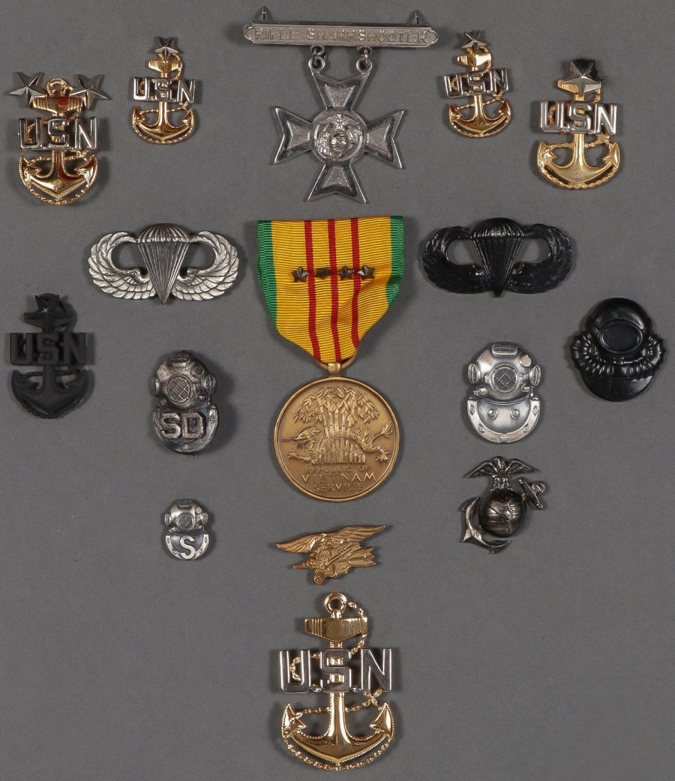 LARGE MOSTLY U.S. MILITARY LOT, 19TH/20TH CENTURY - 3