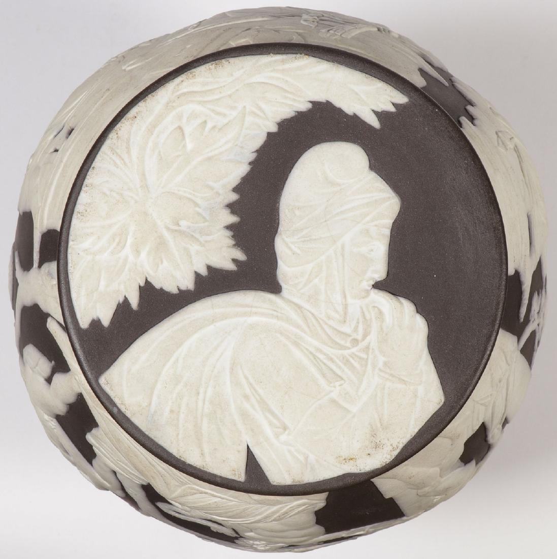 A WEDGWOOD PORTLAND VASE CIRCA 1890 - 4