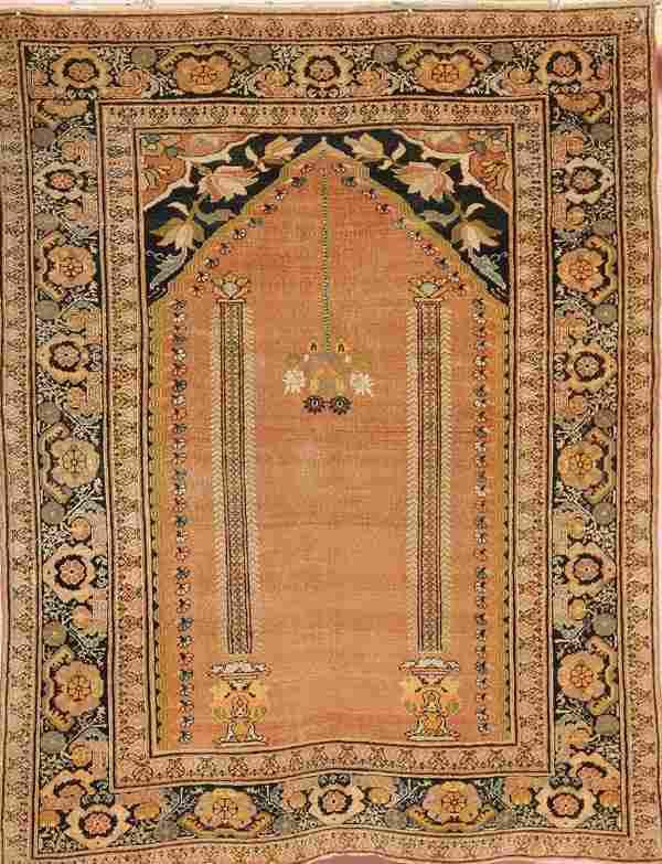 A FINE PERSIAN TABRIZ HAND WOVEN ORIENTAL RUG cir