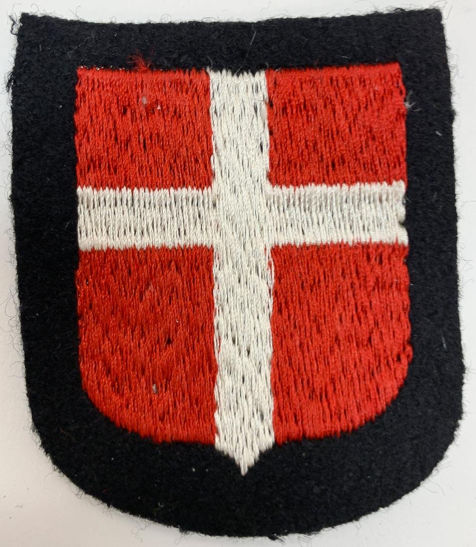 GERMAN WWII SS CLOTH INSIGNIA - 5