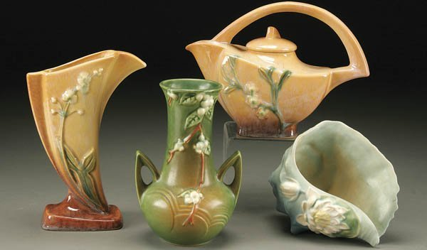 12: A 4-PIECE GROUPING OR ROSEVILLE POTTERY including