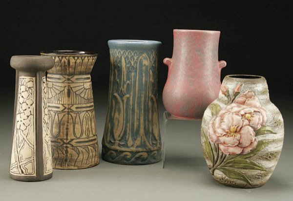 23: A 5-PIECE GROUPING OF POTTERY; including a Weller