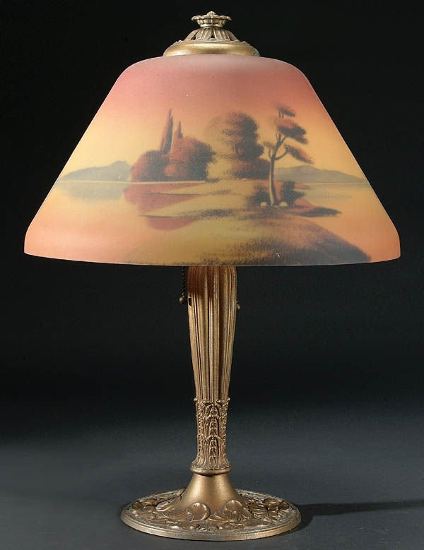 656: A FINE REVERSE PAINTED SHADE TABLE LAMP C. 1910,