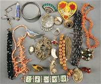 566: 26-PIECE VINTAGE JEWELRY GROUP early to mid 20th