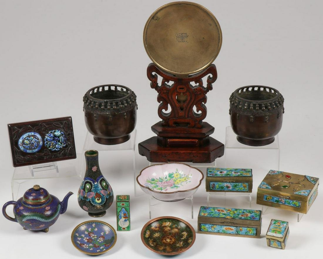 14 PIECES CHINESE DECORATIVE ARTS