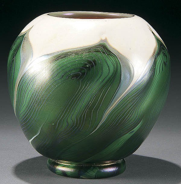 3: L.C. TIFFANY FAVRILE GLASS PULLED FEATHER VASE