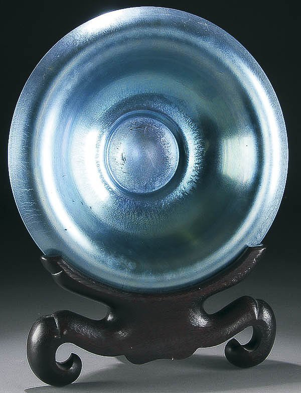 5: A STEUBEN BLUE AURENE GLASS CENTER BOWL early 20t