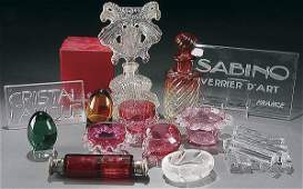 28: BACCARAT, BOHEMIAN AND VINTAGE ART GLASS GROUP 22