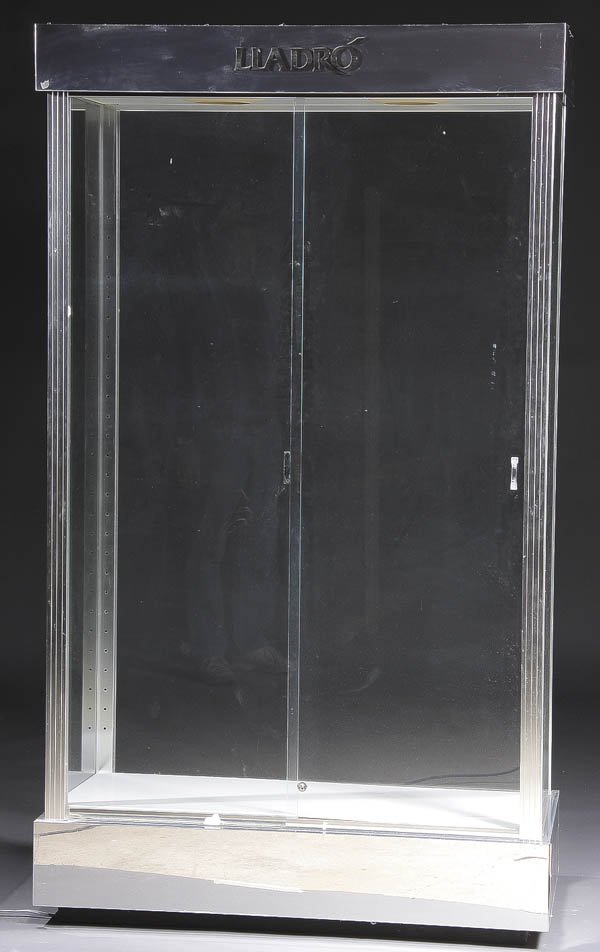 1202: A LLADRO DEALERS DISPLAY CABINET chrome & glass w - 2