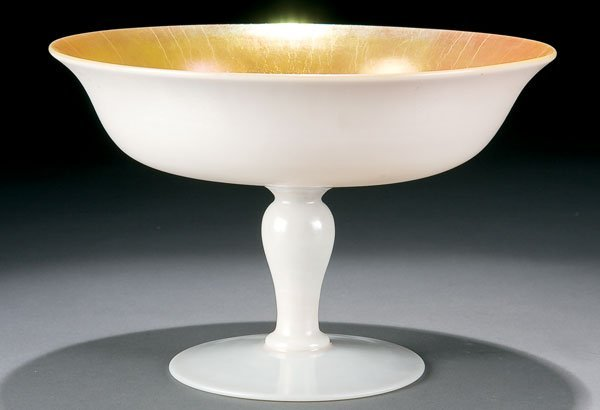 462: Steuben glass calcite compote