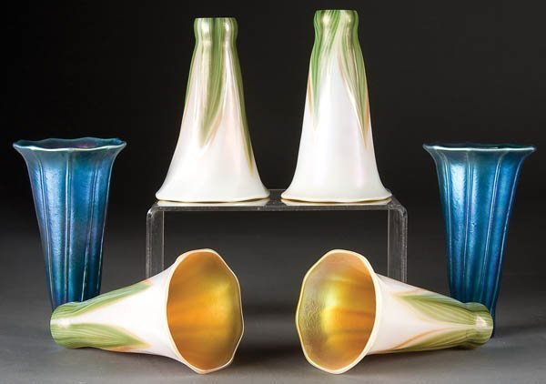 15: CONTEMPORARY IRIDIZED LILY FORM LAMP SHADES