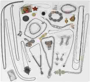 30-PIECE JEWELRY LOT