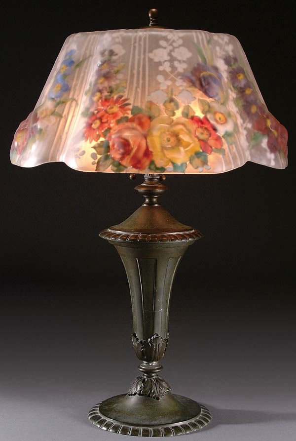 4: A FINE PAIRPOINT PUFFY TABLE LAMP, circa 1910, th