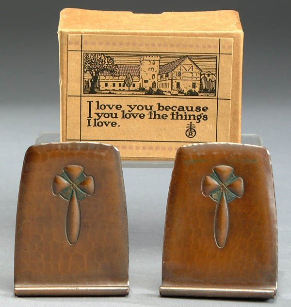 12: A PAIR OF ROYCROFT COPPER BOOKENDS C. 1910 with e