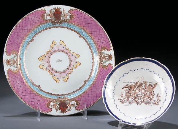 435: A PAIR OF 18TH CENTURY CHINESE EXPORT PORCELAIN