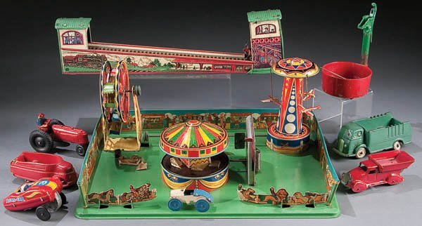 618: A WYANDOTTE TIN LITHO CARNIVAL TOY first half of