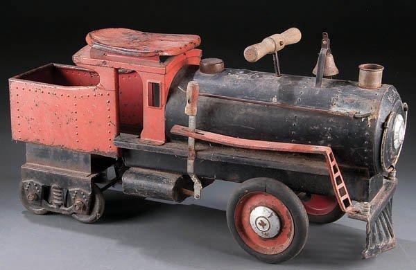 620: A KEYSTONE RIDE-ON TOY TRAIN, early 20th century.