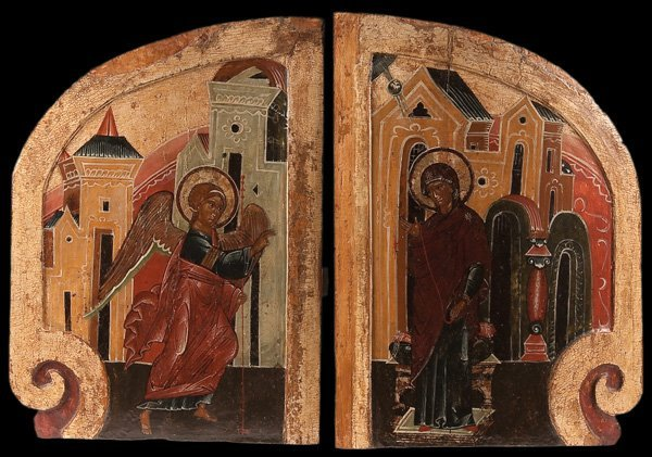 1: A FINE PAIR OF RUSSIAN ICONS OF THE ANNUNCIATION