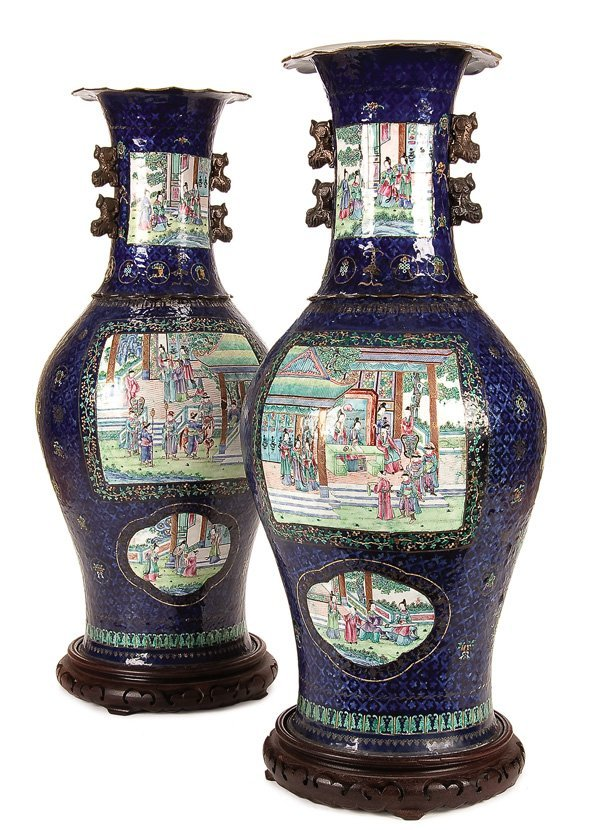 586: A LARGE PAIR OF CHINESE CANTON ENAMELED VASES