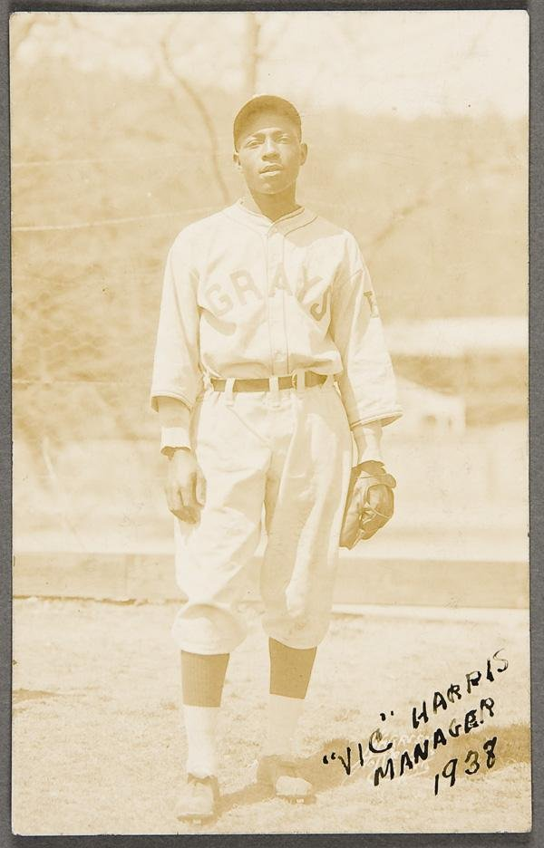 1: BLACK MEMORABILIA: BASEBALL REAL PHOTO POSTCARDS