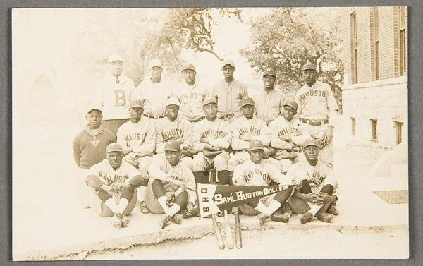 7: BLACK MEMORABILIA: BASEBALL REAL PHOTO POSTCARD
