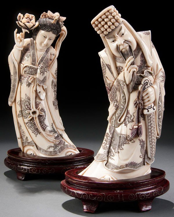 205D: PR CHINESE CARVED IVORY FIGURES