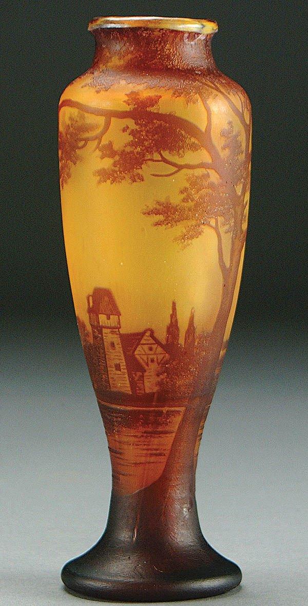 3: A RICHARD BOHEMIAN CAMEO GLASS VASE circa 1910 in