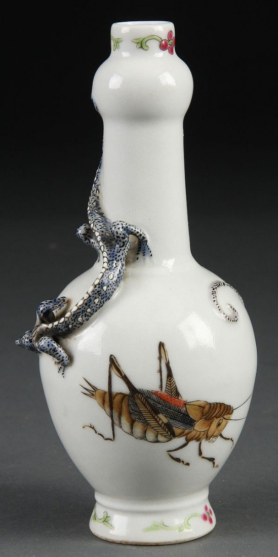 6:  CHINESE QING DYNASTY APPLIED FAMILLE ROSE VASE