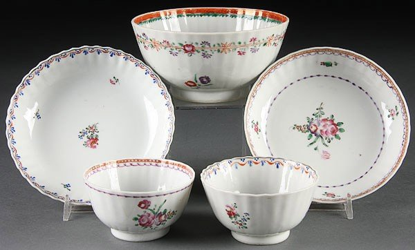 15:  FIVE  CHINESE EXPORT PORCELAIN CUPS & SAUCERS