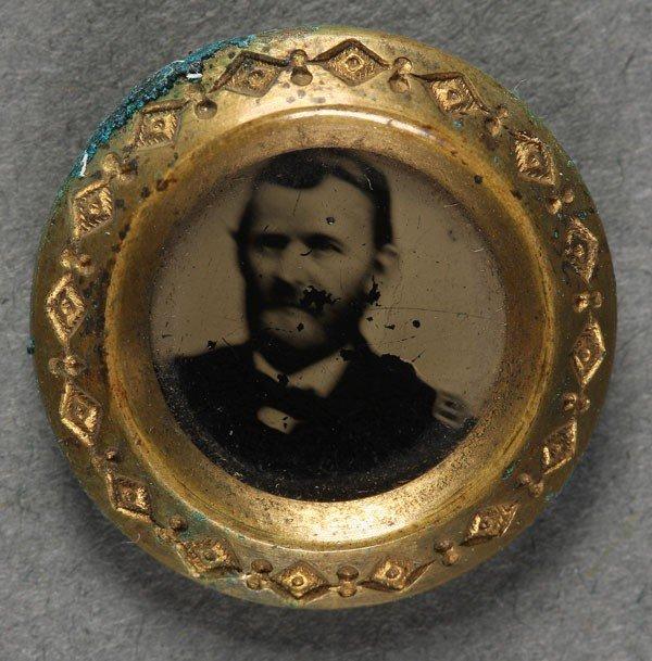 1052: A GENERAL ULYSSES S. GRANT CAMPAIGN PORTRAIT PIN,