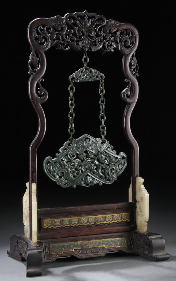 454: A  CHINESE CARVED NEPHRITE HANGING CHIME