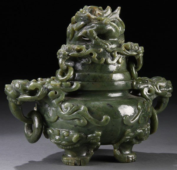 466: A GOOD CHINESE CARVED SPINACH JADE COVERED KORO,