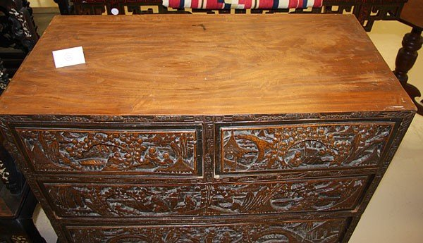704: CHINESE EXPORT SCENIC CARVED CAMPHOR WOOD  CHEST - 3