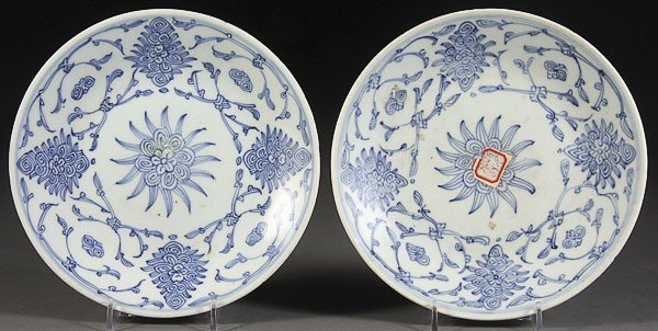 52: TWO CHINESE CHING DYNASTY BLUE AND WHITE PLATES