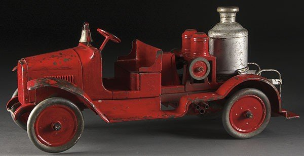 754: A VINTAGE BUDDY L PRESS STEEL TOY FIRE PUMPER